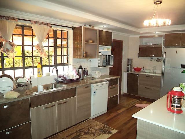Cosy home in Runda, Nairobi Kenya - Nairobi - House