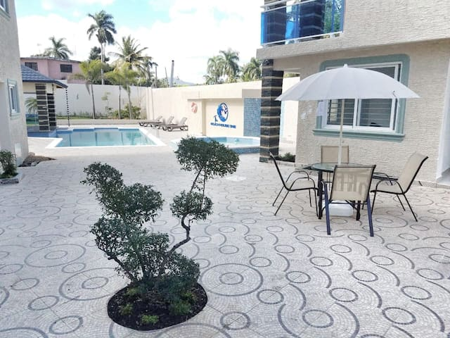The beach house one 2 bedroom apartment Costambar
