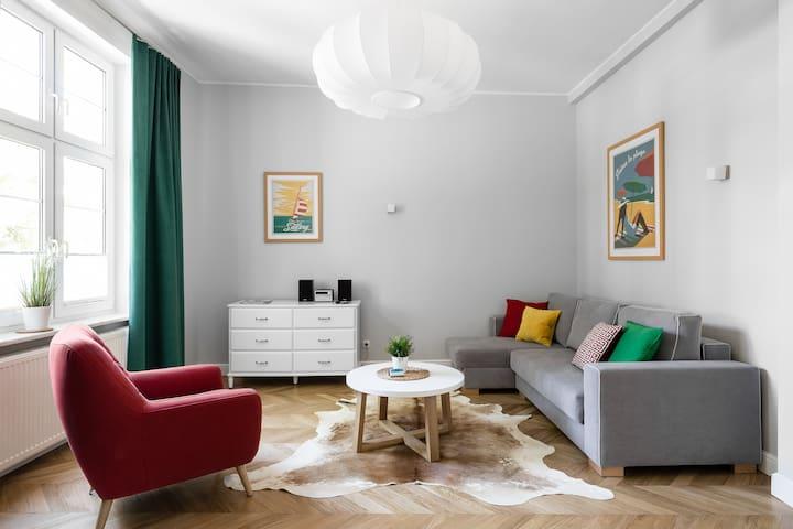 Monaco 1  Spacious Apartment (200m from the beach)