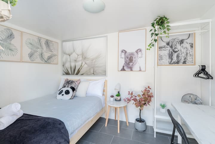 Quiet Private Room in Kingsford near UNSW, Light railway&bus g7
