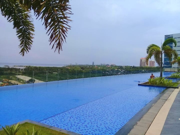 Luxury 1 BR apartment,60m swimming pool,beach,WIFI