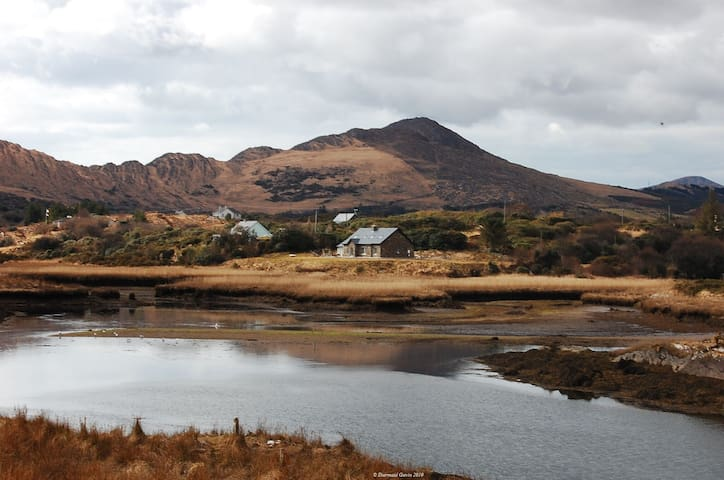 Sneem River House, Sneem, Co. Kerry - 6 Bed - Sleeps 12 - Sneem - Casa
