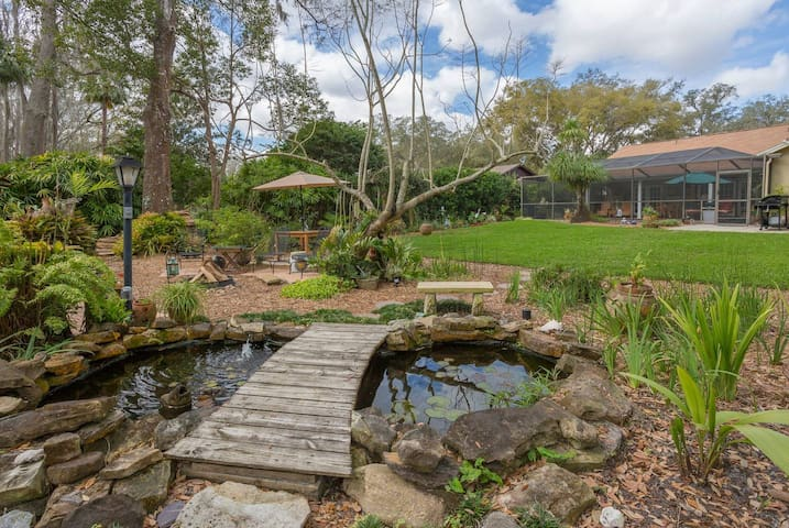 Secret Garden Spot with Spa Pool House