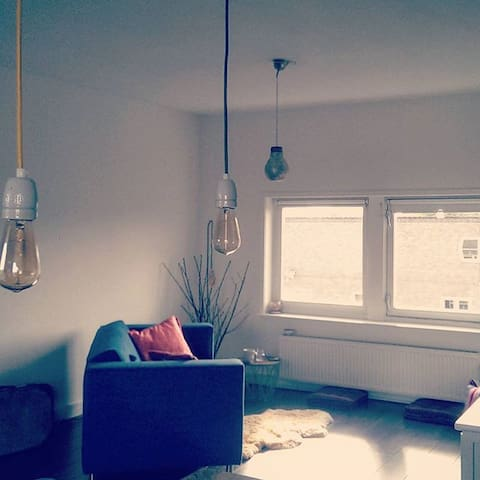 Light & Bright well-located studio with Rooftop - Amsterdã - Apartamento