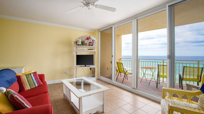 Emerald Beach Resort 726-Living Area