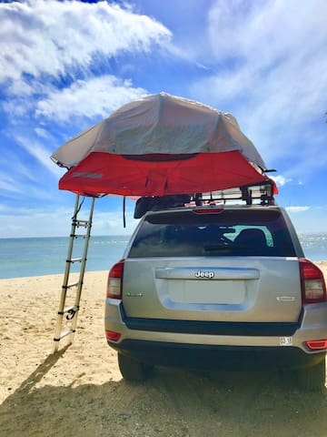 Discover Maui camping in a 4x4