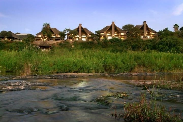 KRUGER NATIONAL PARK - NGWENYA LODGE - Komatipoort