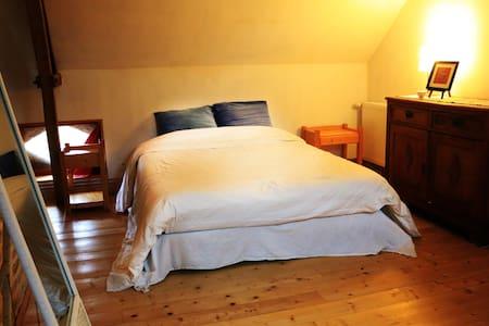 Grand chambre ancien style de ferme - Tournehem-sur-la-Hem