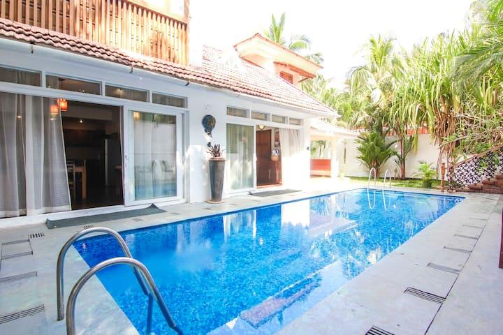 Royal Villa with Private Pool in Candolim, Goa