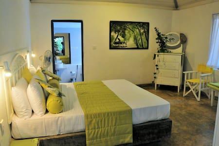 Bungalow close to Negombo & Airport - Pichcha room - Badalgama