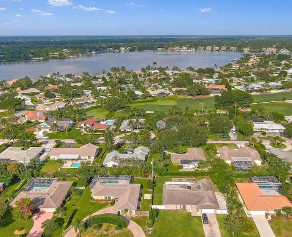 Tequesta Country Club 4 Br Pool Home