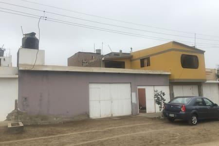 Casa en San Bartolo-Tranquilidad y seguridad - Lima