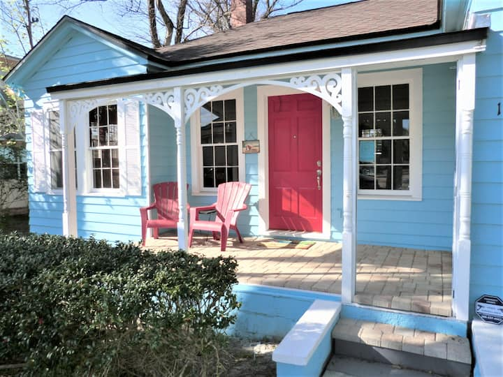 Wow Adorable Charming Cottage 2 Min Walk to Beach