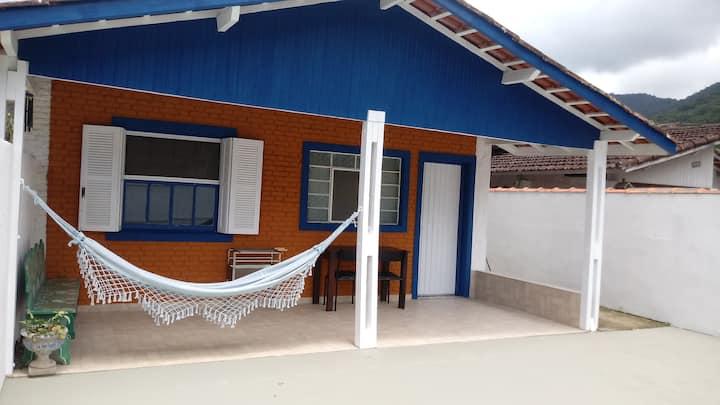 Casa aconchegante, WiFi, Churrasqueira, 2 quartos