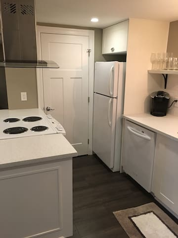 Full Size Kitchen will all Appliances and large pantry