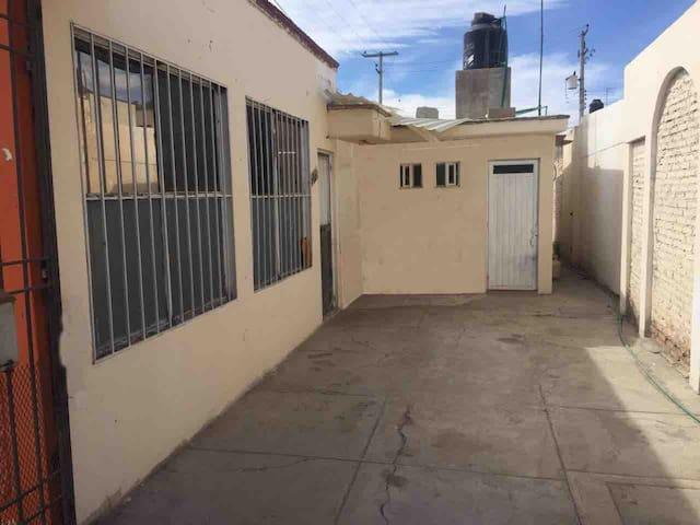 LOS FRESNOS Habitación1 zona cómoda y tranquila