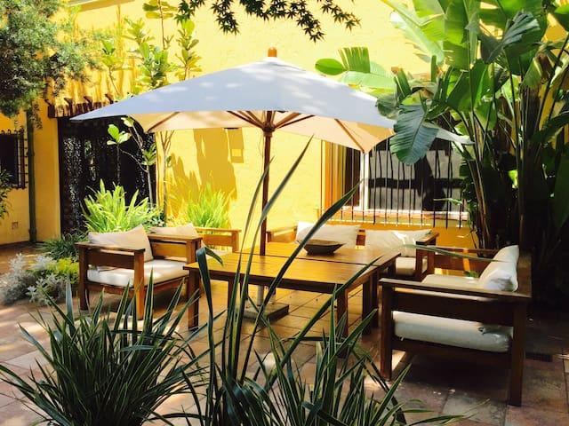 Terraza abierta al jardin