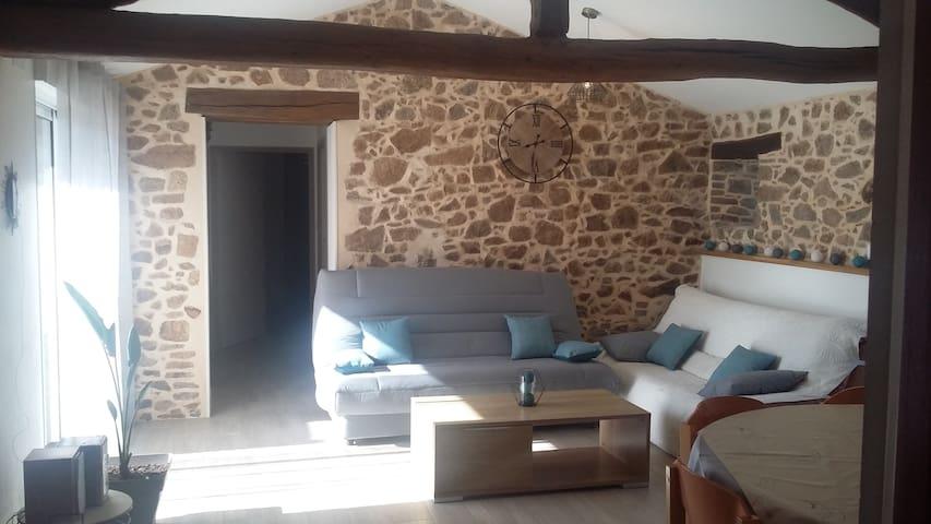 Longère de 75 m2 rénovée à 30 min du puy du Fou