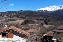 Vue sur la montagne d'Orionde à 2000m accessible en rando l'été et à skis de rando