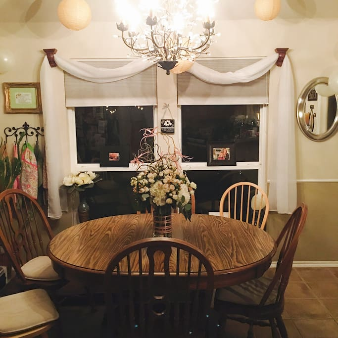 Dining room seats 6 for dining, conversations, and games.