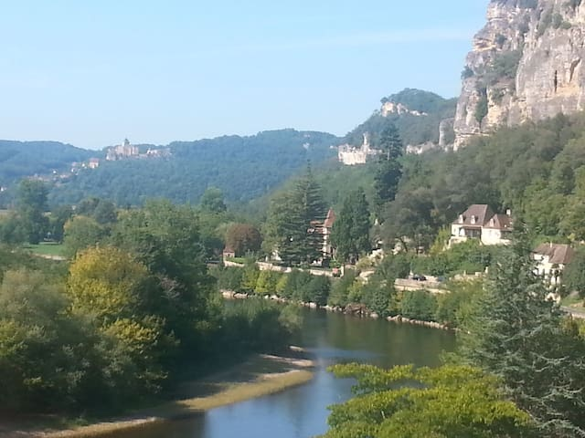 Unsurpassed views of La Roque Gageac