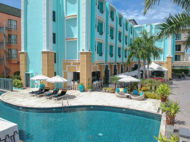 ⭐South Beach Resort | 5 Star 20 BR Next to Beach