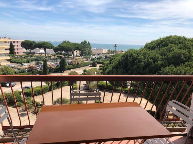 Boucanet, appartement T2 proche de la plage