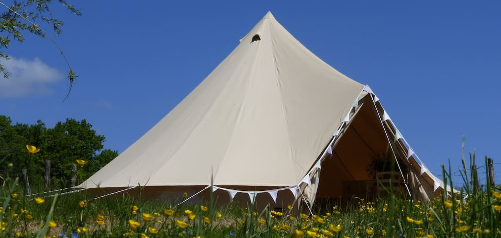 Shabby-chic glamping in La Belle Tente - Arnac-Pompadour - Namiot