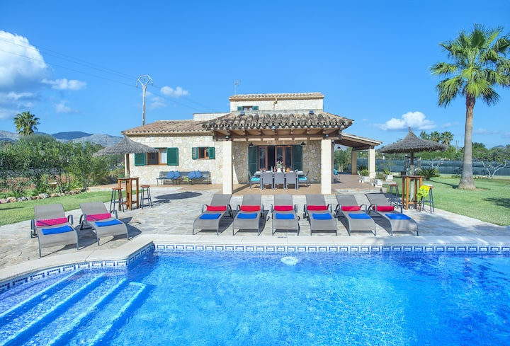 Splendid Villa Troy with Huge Pool, a Mediterranean Jewel