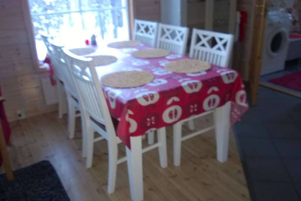 Table for dining (6 chairs and 2 extra chairs)