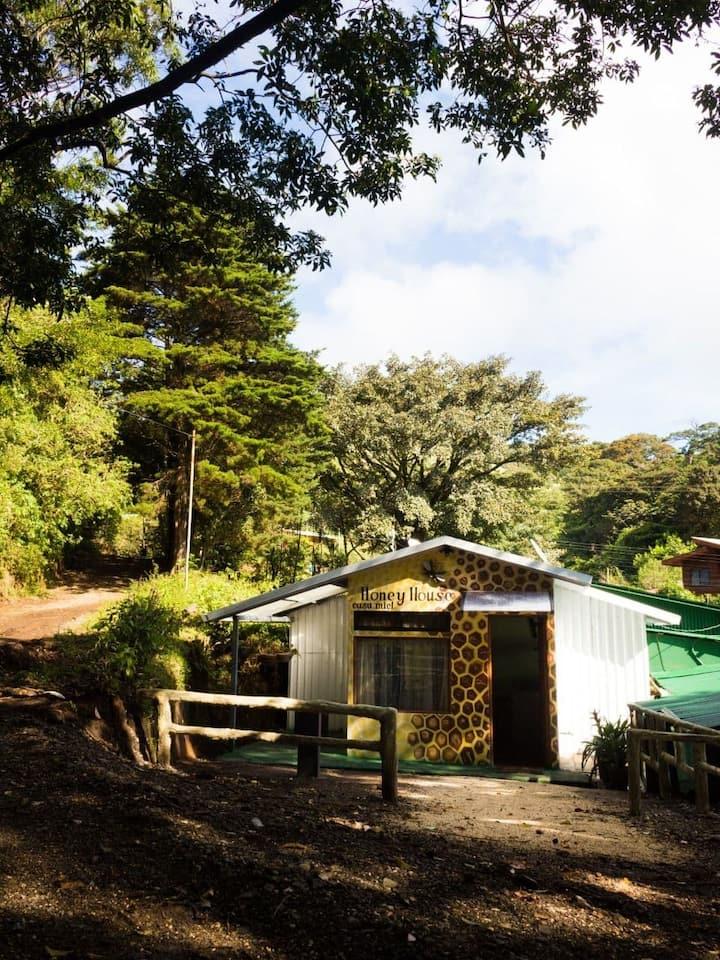 Casa Miel Monteverde (HONEY HOUSE)