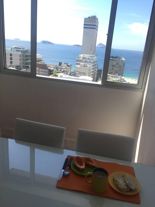 Sala de jantar vista mar