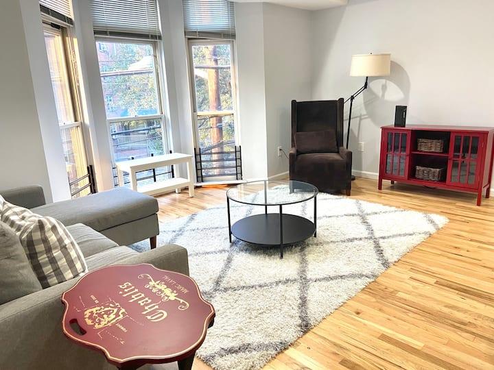 Renovated 2 Bedroom apartment in Hoboken