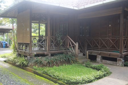Simple space for 2 in North Sulawesi - North Tomohon - 別荘
