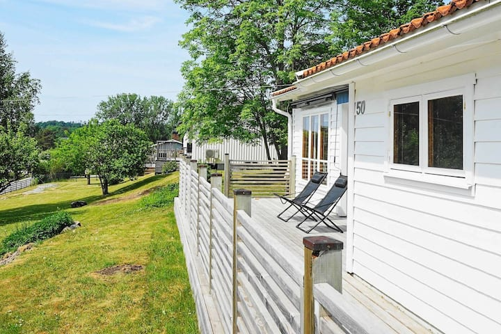 6 person holiday home in Höviksnäs