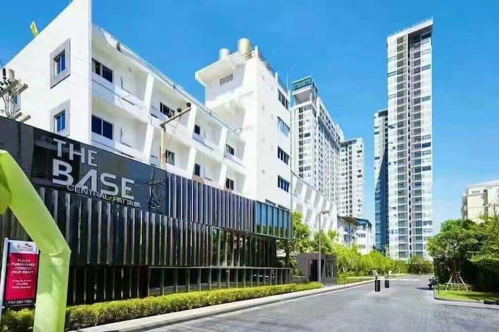 曼谷芭提雅the base  /网红公寓/无边泳池/海景房/市中心