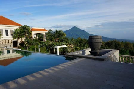 Beautiful natural scenery, big and modern villa