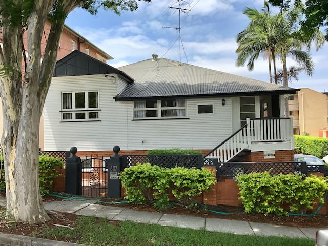 Pretty Qlder home in beautiful tree-lined street.
