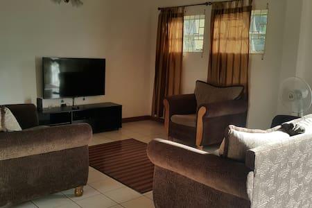 ZEDA Apartment - Kingstown  - Pis