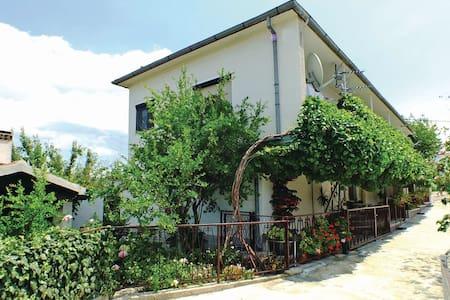 Cozy & spacious vacation house Silvija - Slime