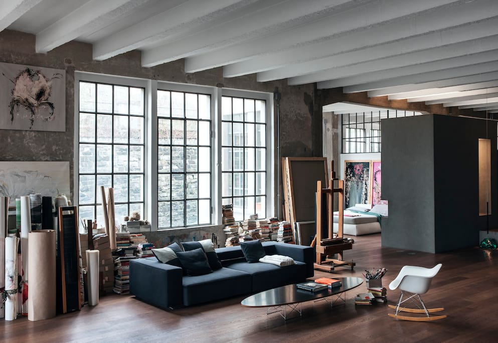 Artist 39 s atelier in loft in como lofts louer c me for Location atelier loft