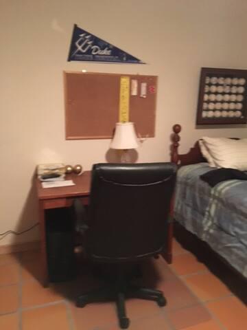 Wilburn House 2 - Los Alamos - Casa