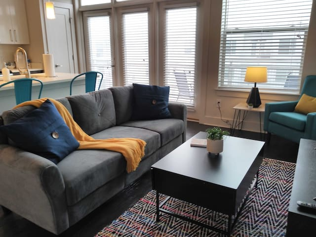 Open Atlantic 1BR Apt w/ Balcony