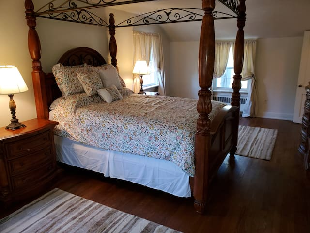 The Vintage Suite bedroom!