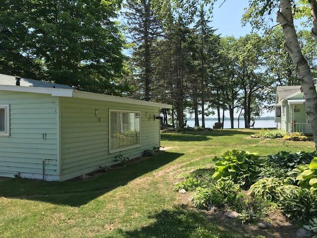 Gull Cottage- On Paradise Lake