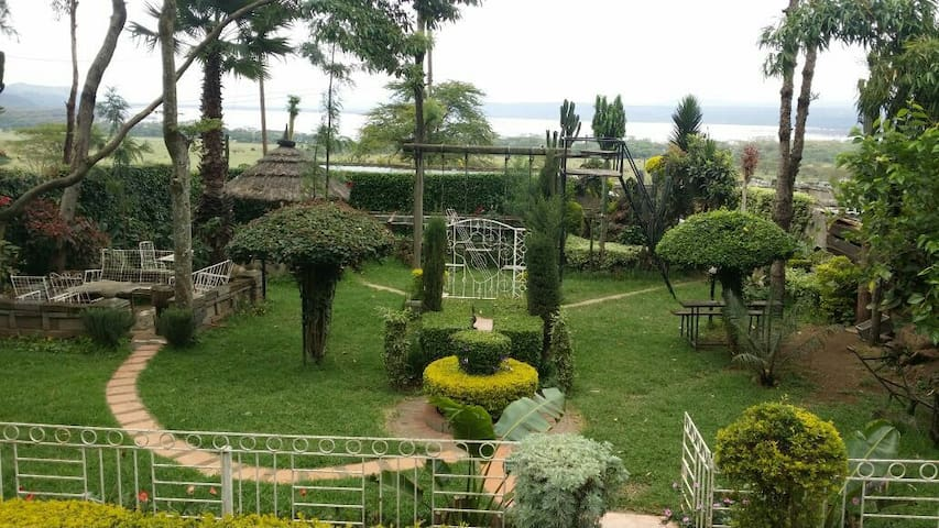 3rooms. Lake Nakuru at my backyard - 나쿠루 - 단독주택