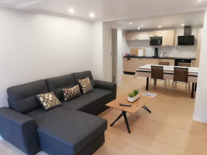 appartement moderne rez de jardin entre mer/ lac