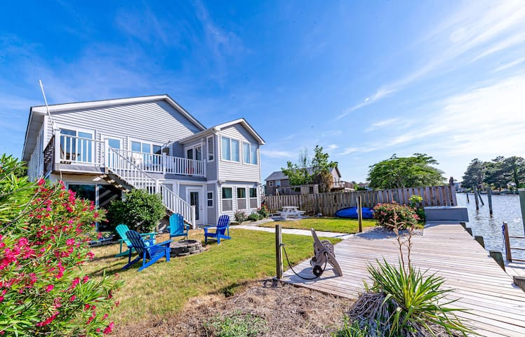K1553 Reel Paradise is your REAL Paradise! Canalfront, Dock, Indoor Hot Tub! | 3 Bedroom, 2 Bathroom