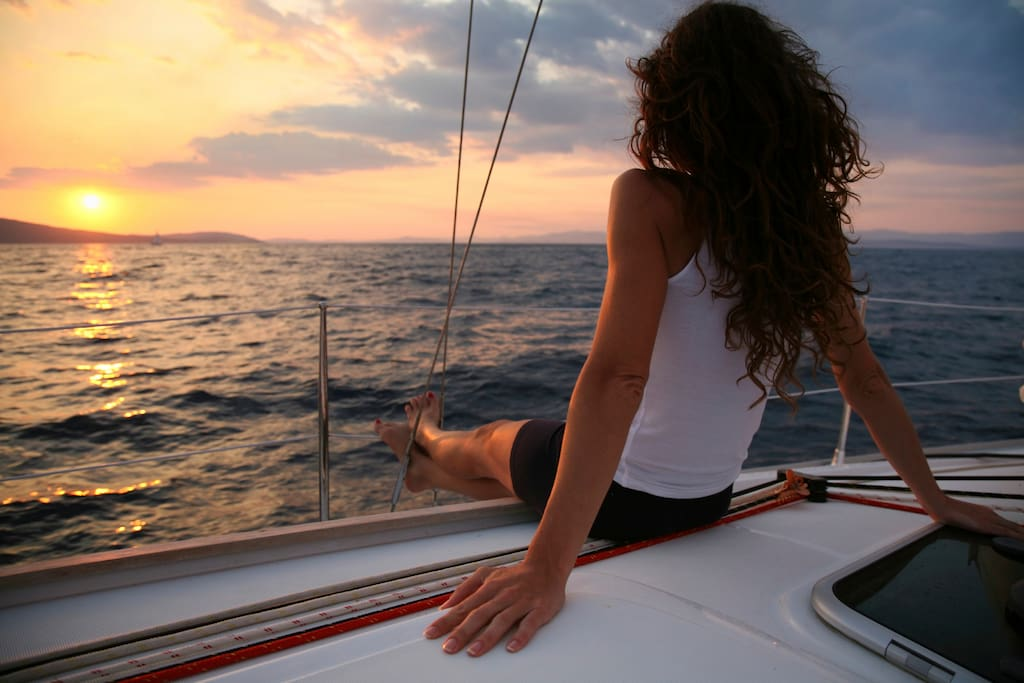 Relax in Formentera and Ibiza, we will go sailing to the most beautiful spots. We will show you what activities are available and you decide to engage or to simply spend your time onboard.