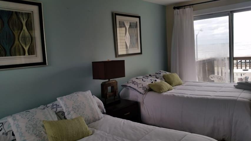 2 Beds 1 Bath Kitchen Ocean Side - Hampton - Ortak mülk